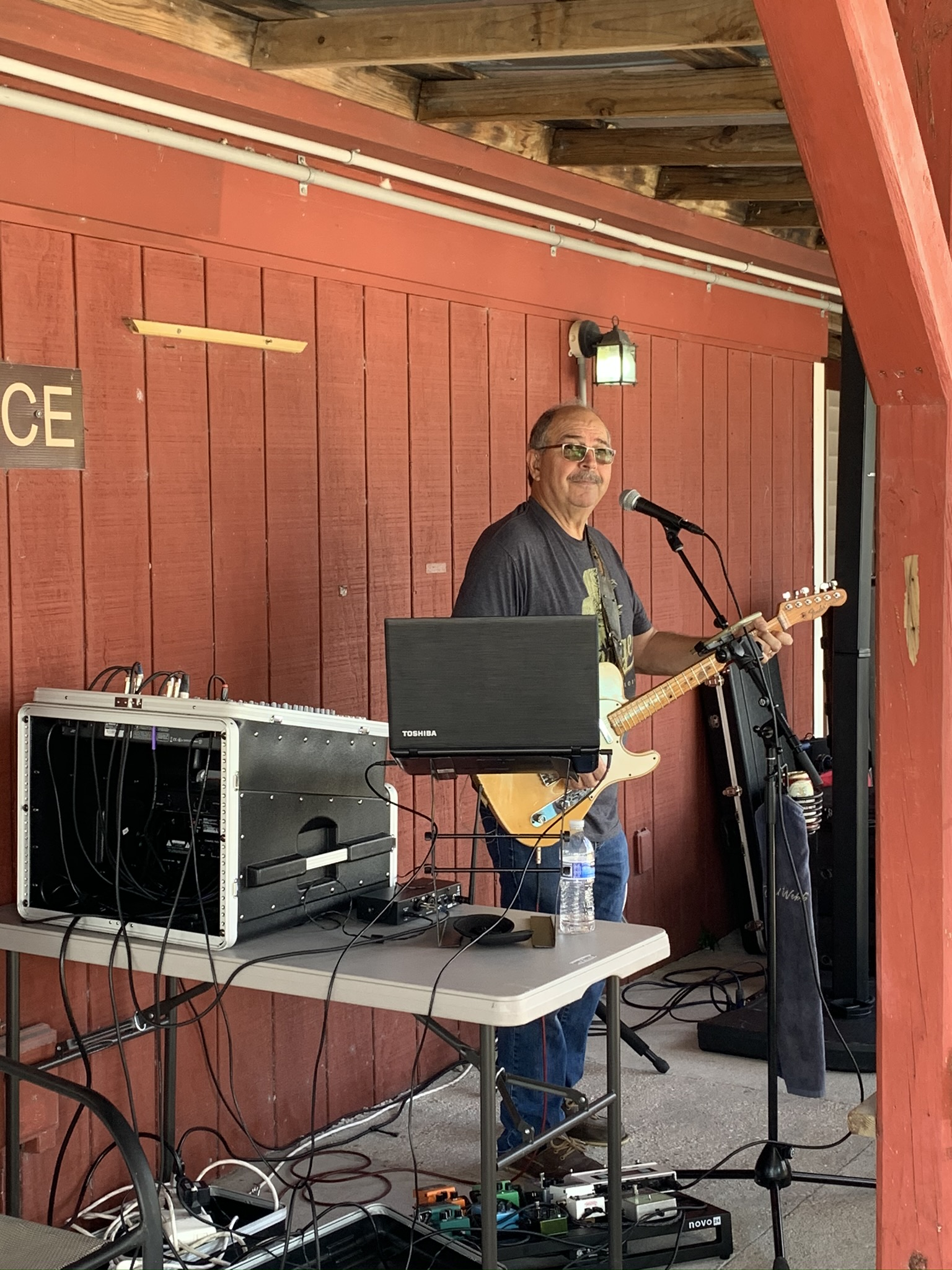 Konnie performing at Members' party 2020 at Gulf Coast Clays